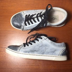 Ugg Sneakers Lace up Leather shoes womens 6